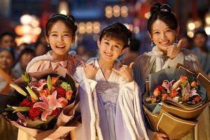 Ngoài Triệu Lệ Dĩnh - Phùng Thiệu Phong, đây là những điều thu hút khán giả trong 'Minh Lan truyện'