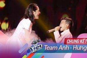 Chung kết The Voice Kids: Khắc Hưng 'vắng mặt' trên sân khấu, Bảo Anh vui vẻ dẫn Minh Chiến lên 'cung trăng'