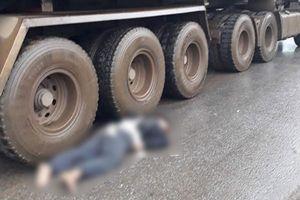 Va chạm với xe đầu kéo, nam công nhân tử vong tại chỗ