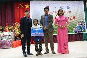 Đoàn Thanh niên cơ quan Ban Tổ chức Trung ương tham gia chương trình tình nguyện 'Đông ấm cho em'