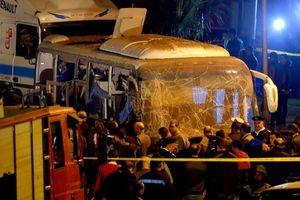 Video, ảnh: Hiện trường vụ đánh bom xe buýt Ai Cập làm 3 du khách Việt thiệt mạng