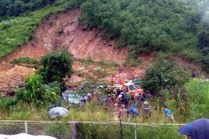 Lở đất kinh hoàng gần núi ở Khánh Hòa, 3 người tử vong
