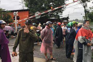 Khánh Hòa: Lở núi nghiêm trọng, 3 người bị vùi lấp