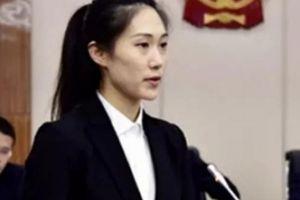 Nữ phó thị trưởng 28 tuổi xinh đẹp gây xôn xao dư luận TQ