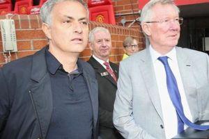 Giúp Solskjaer nhưng Sir Alex có lý do bí mật để từ chối Mourinho