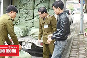 Hà Nội phát hiện vụ vận chuyển 2,5 tấn nầm động vật đã phân hủy