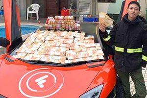 Thiếu gia lái siêu xe Lamborghini rải 300 tỷ trên đường phố