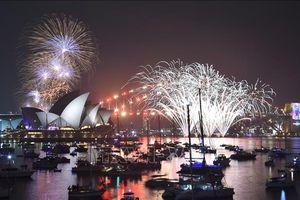 Thế giới bừng sáng với những màn pháo hoa rực rỡ chào đón năm mới 2019