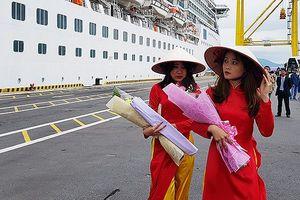 Hụt tàu khách Âu – Mỹ, Đà Nẵng đón tàu Trung Quốc 'xông đất' du lịch biển 2019
