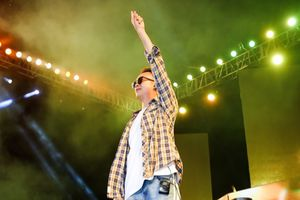 Justa Tee khiến fan 'phát sốt' khi tái hiện bản hit Forever Alone