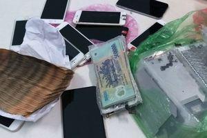 'Siêu trộm' 9X cuỗm nhiều điện thoại iPhone và hơn 160 triệu đồng