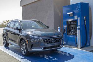 Xe điện chạy hydro Hyundai Nexo đầu tiên đến tay khách hàng
