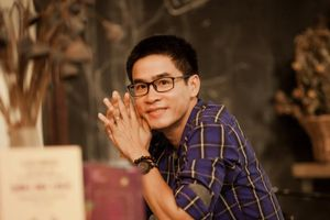 Nhà thơ Phong Việt: 'Phải viết, nếu không tôi sẽ stress, trầm cảm'