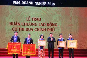 Văn Phú – Invest được tôn vinh tại 'Đêm doanh nghiệp 2018'