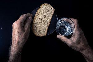 Chấm dứt hình phạt ăn bánh mì và uống nước trong Hải quân Mỹ