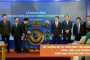 Bộ trưởng Bộ Tài chính Đinh Tiến Dũng 4 năm liên tiếp đánh cồng khai trương phiên giao dịch chứng khoán