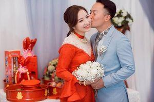 Vợ Tiến Đạt khoe ảnh tình tứ của hai vợ chồng khiến fan ngưỡng mộ