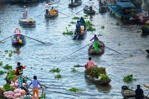 'Chơi thuyền hoa trên sông' lần đầu tiên xuất hiện ở miền Tây