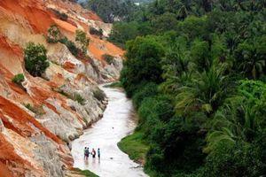 Dừng các hoạt động xây dựng trái phép ở điểm du lịch suối Tiên