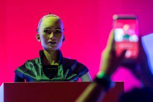 Gần 1.000 chuyên gia dự báo gì về trí tuệ nhân tạo năm 2030?