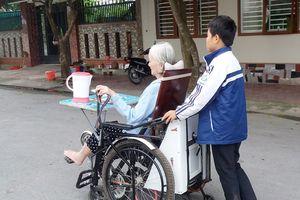 Hai học trò vùng cao Nghệ An giành giải Nhất sáng tạo KHKT khi cải tiến xe lăn