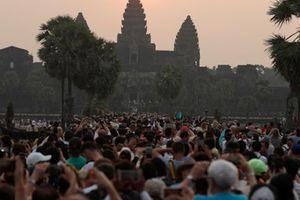 Giới kinh doanh Campuchia không hào hứng khi lượng du khách Trung Quốc tăng mạnh