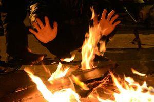 Vào trường học trộm tài sản còn ngang nhiên đốt lửa sưởi ấm