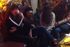 Sau tiệc tất niên, nhóm nam nữ rủ nhau chốt hạ bằng tiệc ma túy