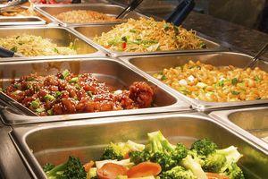 Buffet - Mô hình kinh doanh 'lời không tưởng': Khách ăn càng nhiều, nhà hàng càng lãi