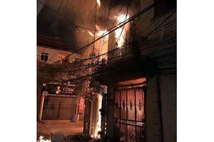 Cháy nhà bốn tầng ở Hà Nội, sáu người nhập viện