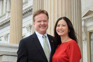 Ứng viên BT Quốc phòng Mỹ có vợ gốc Việt là ai?