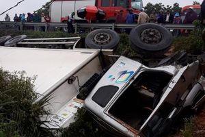 Quảng Trị: Xe tải lật nhào, 1 người tử vong 2 người bị thương nặng