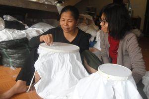 Thổi sức trẻ vào nghề thêu truyền thống