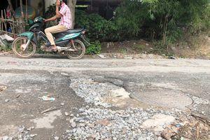 Hỏng đường thoát nước thải đều đổ cho dân