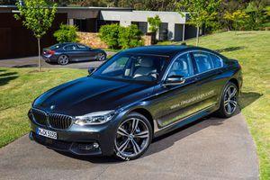 XE HOT (5/1): Xe ga khiến người Việt mê mẩn nhờ ABS, hé lộ giá bán BMW 5-series ở VN