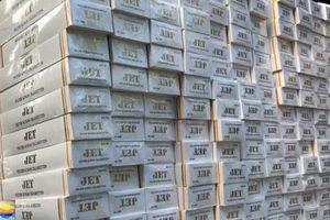 Bắt quả tang vụ mua bán 3.300 cây thuốc lá nhập lậu