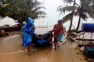 Bão Pabuk đổ bộ Thái Lan: Hàng ngàn người mắc kẹt trên đảo, du khách lo sợ