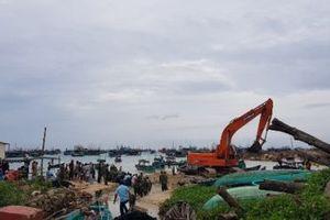 Kiên Giang: Hàng chục tàu, thuyền bị sóng đánh chìm do bão số 1