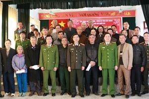 Trao quà Tết tặng đồng bào nghèo, gia đình chính sách tại tỉnh Bắc Giang