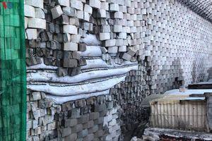 Bức tường xây trái phép đe dọa cuộc sống người dân ở Nha Trang