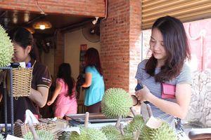 Sầu riêng 200.000 đồng/kg hoặc buffet 299.000 đồng/người ở Sài Gòn