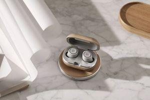 Bang & Olufsen ra mắt tai nghe không dây Beoplay E8 phiên bản 2 với sạc không dây