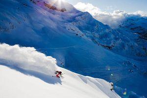 Những bức ảnh trượt tuyết hoàn hảo của nhiếp ảnh gia mù màu