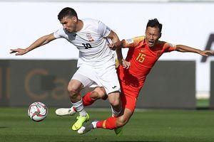Trung Quốc thắng ngược Kyrgyzstan nhờ 2 sai lầm của thủ môn