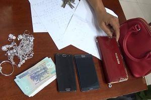 Ngủ trên chòi tạm, 2 vợ chồng bị trộm hơn 100 triệu