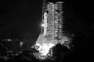 Cuộc đua vào vũ trụ: Mỹ nháy mắt vì Trung Quốc