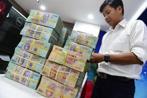 Cuối năm, gửi tiền ở đâu lợi nhất?
