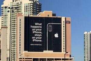 Apple treo biển quảng cáo để 'trêu' đối thủ về vấn đề bảo mật tại CES 2019