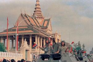 Hình ảnh 'đội quân nhà Phật' giúp dân Campuchia thoát họa diệt chủng