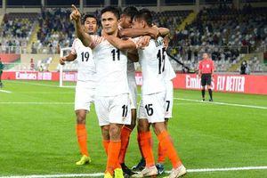 Người hùng giúp Ấn Độ 'vùi dập' Thái Lan chính thức vượt qua Messi